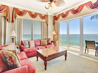 New Listing! Luxurious & Spacious Condo! 3BR/3BA, Master on the Gulf!
