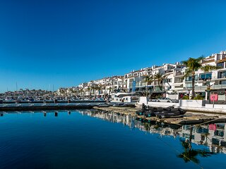 Puerto banus first line with sea and Marina views