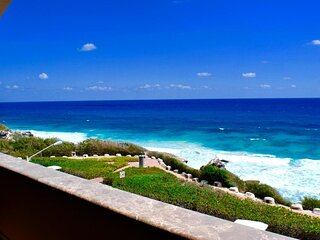 Isla Mujeres Top Location Luxury and Spacious Beachfront Villa 2Bd 2BTH