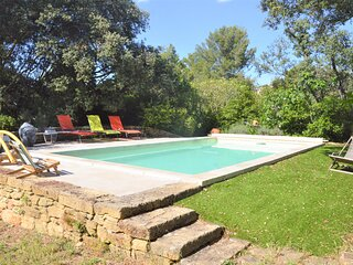 Nice home in Grans with Outdoor swimming pool, WiFi and 3 Bedrooms (FPB424)