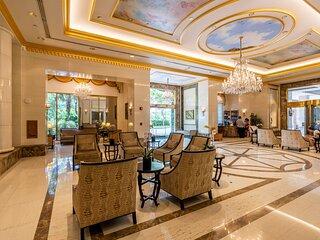 Royal Garden Waikiki - Wyndham Resort