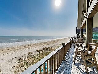Pelican Pass | New Beachfront Home | Gulf-View Balcony & Private Firepit