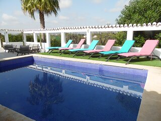 CASA DANGO - NEW! Just Renovated for your holidays!