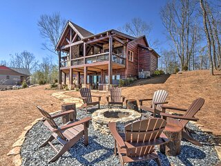 NEW! Luxe Mountain Getaway w/ Game Room + Hot Tub!