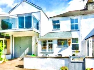 'The Old Fire Station' Coastal Cottage, holiday rental in Millbrook