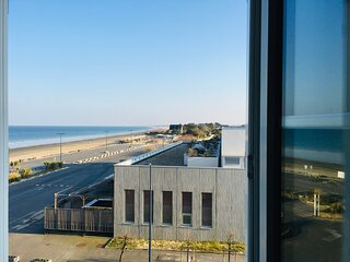 ~ Les pieds dans l'eau~vue sur mer~wifi~acces direct a la plage~spa a 20m~