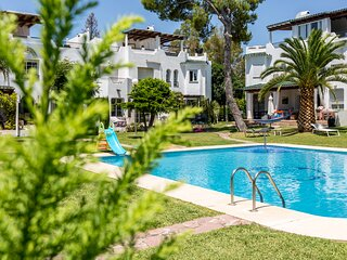 4 bedroom townhouse 1st line Golf Marbella with pool views