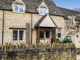 Anne Boleyn Cottage at Sudeley Castle - A delightful pet friendly Cotswold holid
