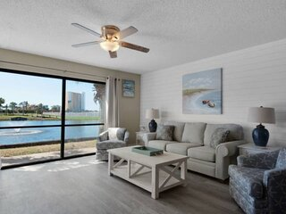 Lagoon View Centrally Located Free WiFi Walk to the Beach