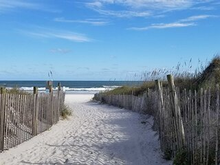 NEW! Family Fun in Myrtle Beach: 1 Block to Shore!
