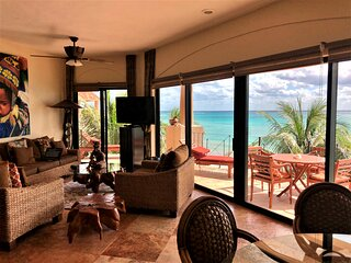 Tropical Ocean Getaway | Best Views In Playa | Beach Service | Pool |Wifi & Maid