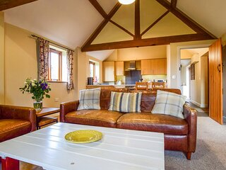 Cider House - A spacious barn conversion with log burner, perfect families, and