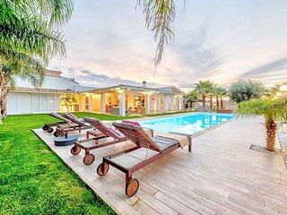 Santa Maria del Focallo Villa Sleeps 6 with Pool and Air Con - 5887873