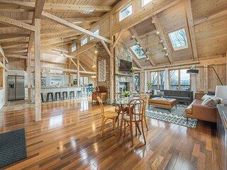 White Pine Retreat | Pet-friendly, Beautiful Views & Just 20 Minutes to AVL!
