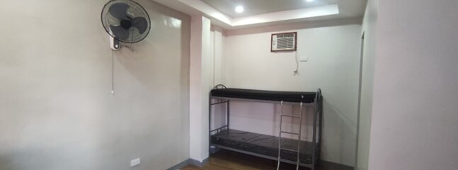 DMI Hotel and Apartments (Safe and Secure 14 Unit Apartment Complex), vacation rental in Legazpi