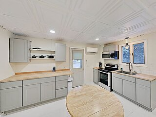 Coastal New England Gem | All-New Kitchen & Finishes | Short Walk to Harbor