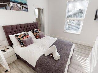 St Johns House - 3 Bed ensuite in Gillingham