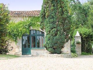 La Petite Grange, Le Manoir de Longeveau
