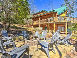 'Prince Mountain Retreat' w/ Hot Tub & Views!
