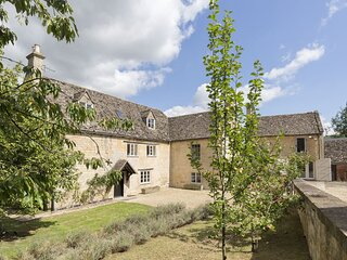Almsbury Farmhouse at Sudeley Castle - Beautiful Cotswold Farmhouse with annexe,