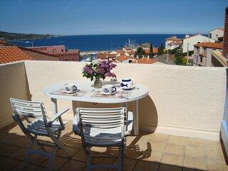Appartement avec terrasse vue sur la mer, à deux pas du port de plaisance