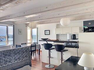 Appartement de style avec vue sur le port de Granville, 2/4 voyageurs