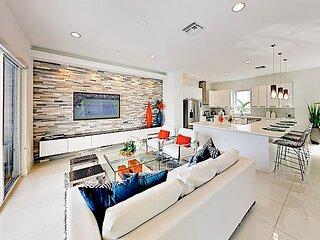 Luxury Designer Townhome Across from Beach | 2 Balconies & Patio | Near Golf
