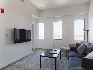 Luxe DT 2BR with City View by Zencity