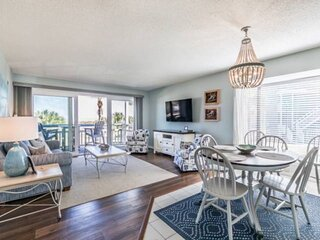 Updated-First Floor End Unit Condo-Ocean View-Steps to Beach/Pool/Amenities-One