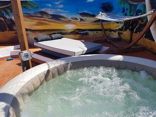 Ático 'chill out' 2 habitaciones centro playa las Americas.