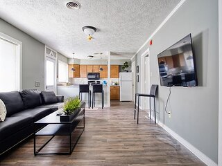 Spacious Newly Renovated 2Bd, Great Location!