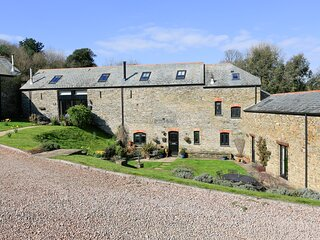 COWSLIP COTTAGE, barn conversion set in farmland, one parking space, baby