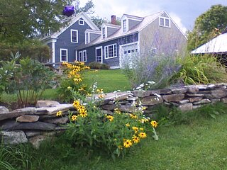 Charming VT Farmhouse with awesome mountain views. Children welcome.