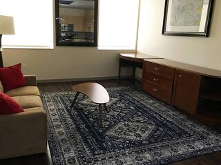 Good wifi! Comfy Beds! + Great Value + Downtown