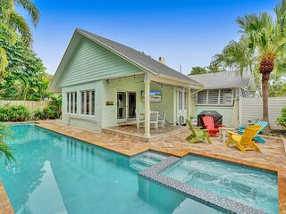 FLL Bungalow w/Pool & Spa, just 1.8 miles to Beach