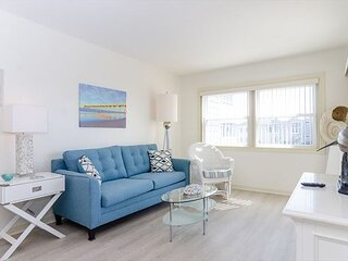 Nightly rentals at an oceanside condo just steps from Johnnie Mercer's Pier