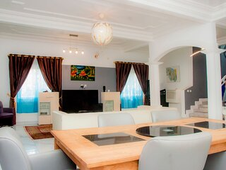 Duplex meuble et Luxueux Yaounde, odza