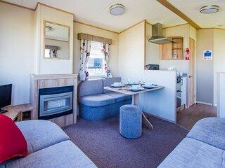 Immaculate 2-Bed Caravan in Westward Ho!
