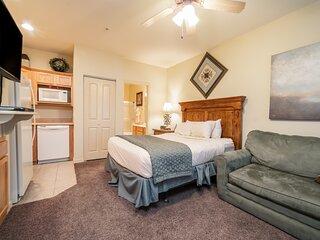 Walk-in Queen Suite with Kitchenette