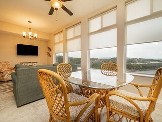 Relax and Unwind! Beautiful Lake View Condo with Sunroom at The Majestic