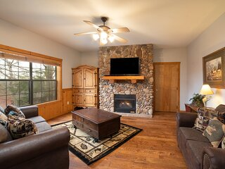 Newly Remodeled! Cedar Log Cabin with Gas Fireplace & Screened Porch