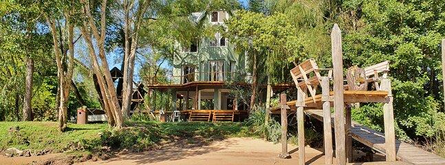 Unica Casa Delta de Tigre para 8 personas muy cerca de continente AMANU