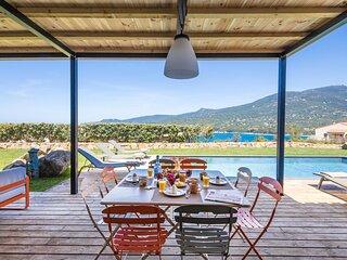 Maison 6/8 pers 3 chambres avec piscine chauffée, sécurisée parking
