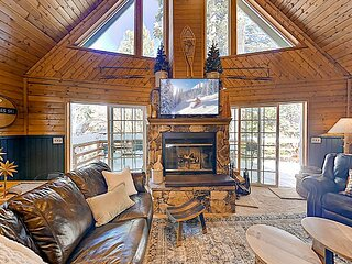 Chalet Vino | Game Room & Wraparound Deck | Near Skiing & Green Valley Lake