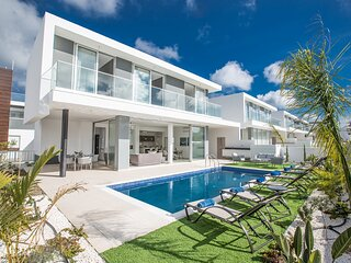This Brand New contemporary villa is located in the popular resort of Protaras