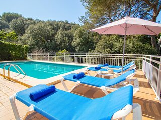 Villa Alzina in Cala Galdana -private pool, free wifi, 5 minutes from the beach-