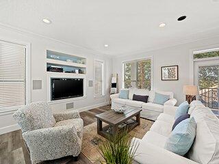 Sea-Viche Luxury 5bd home XL private heated pool