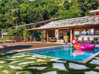 Casa em Ilhabela com vista para o mar - Praia do Saco da Capela
