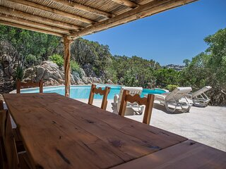 Liscia di Vacca Villa Sleeps 10 with Pool Air Con and WiFi - 5887959