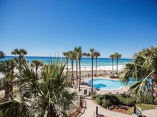 Gulf Front 2 bed 2 bath on the 3rd floor with amazing views in Grand Panama